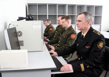 Военнослужащие на курсах по переподготовке