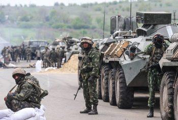 Военнослужащие на службе по контракту в горячей точке