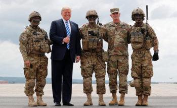 Трамп и воепннослужащие США