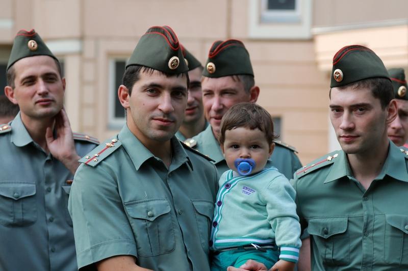 Можно ли уволить с военной службы отца ребенка инвалида